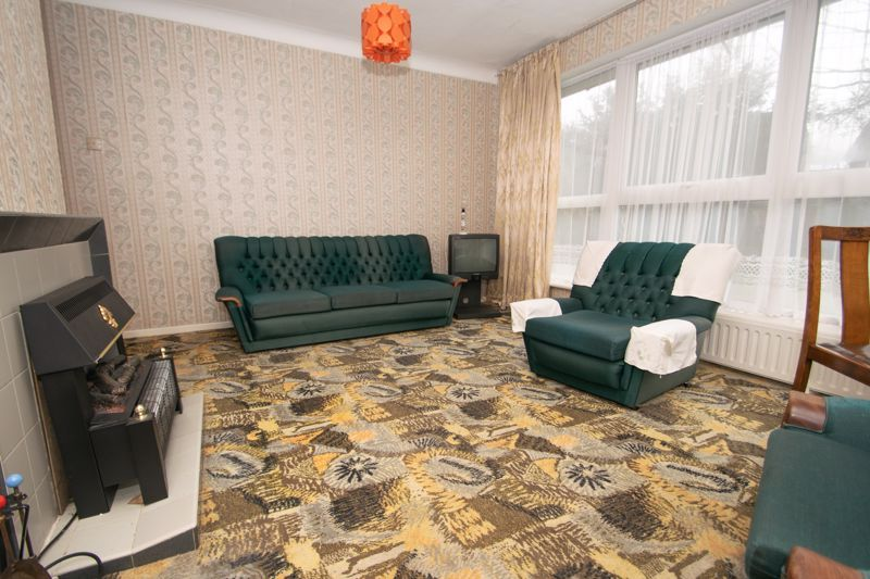3 bed bungalow for sale in Lychgate Avenue 4