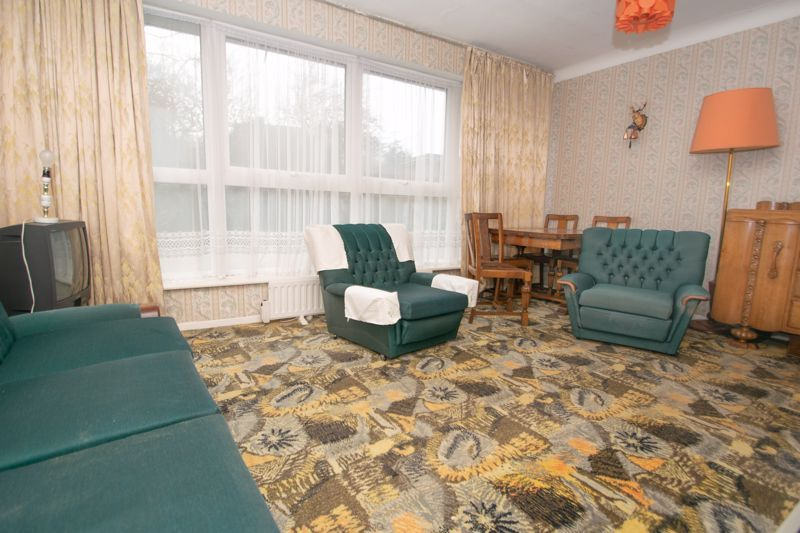 3 bed bungalow for sale in Lychgate Avenue 5