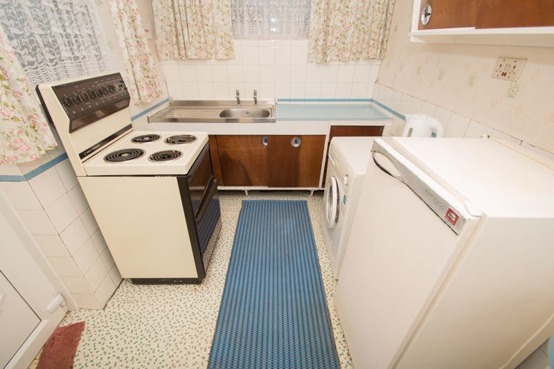 3 bed bungalow for sale in Lychgate Avenue 6