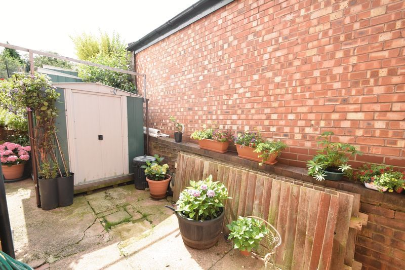 3 bed house for sale in Vicarage Crescent  - Property Image 18