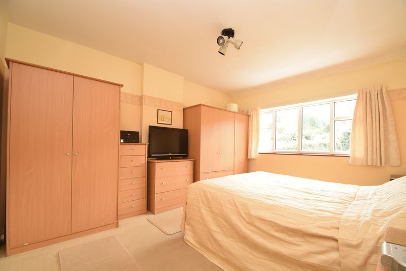 3 bed house for sale in Vicarage Crescent  - Property Image 6