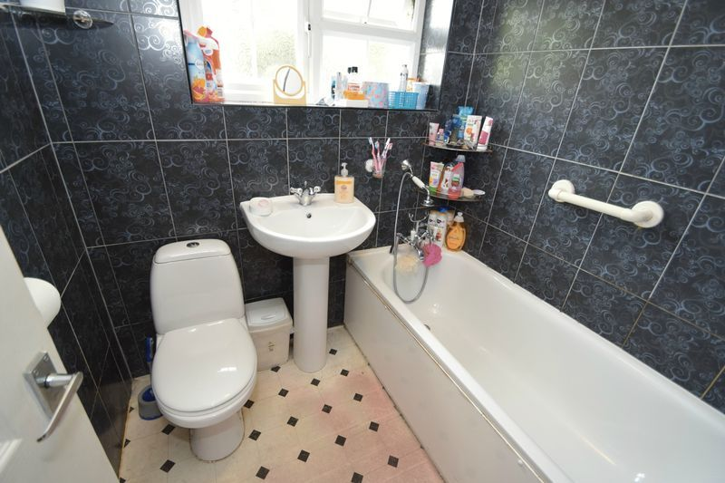 3 bed house for sale in Cemetery Road 12