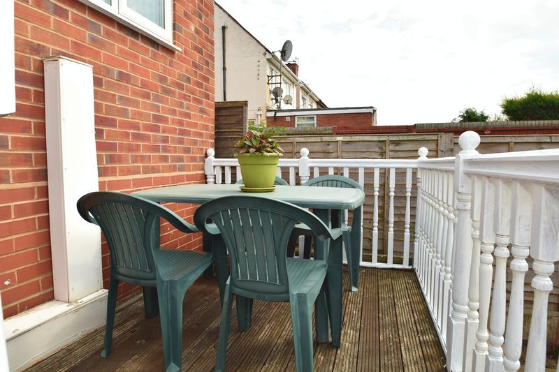 3 bed house for sale in Cemetery Road 13