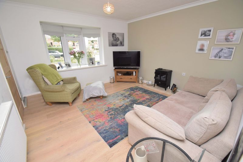2 bed house for sale in Throckmorton Road 2
