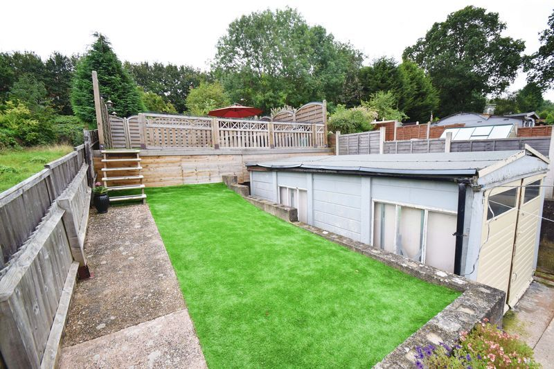 2 bed house for sale in Throckmorton Road  - Property Image 13