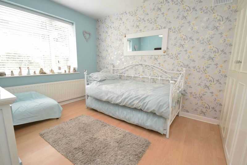 2 bed bungalow for sale in Gauden Road  - Property Image 6