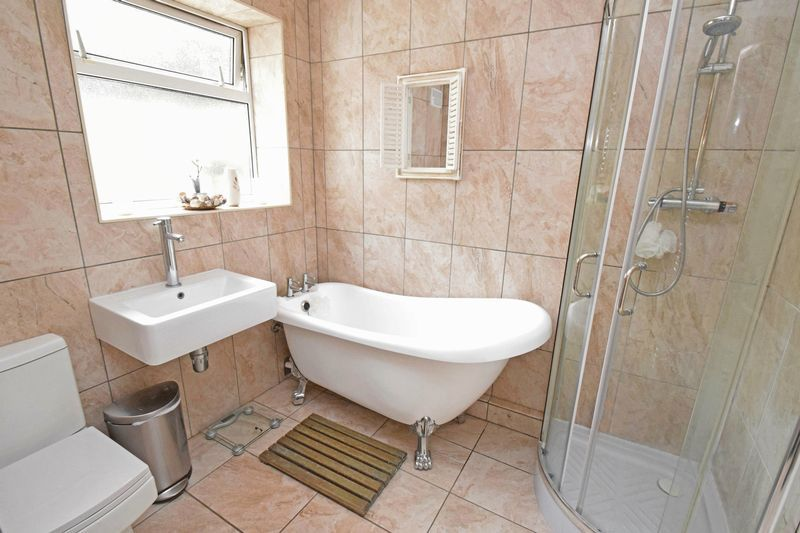 2 bed bungalow for sale in Gauden Road 7