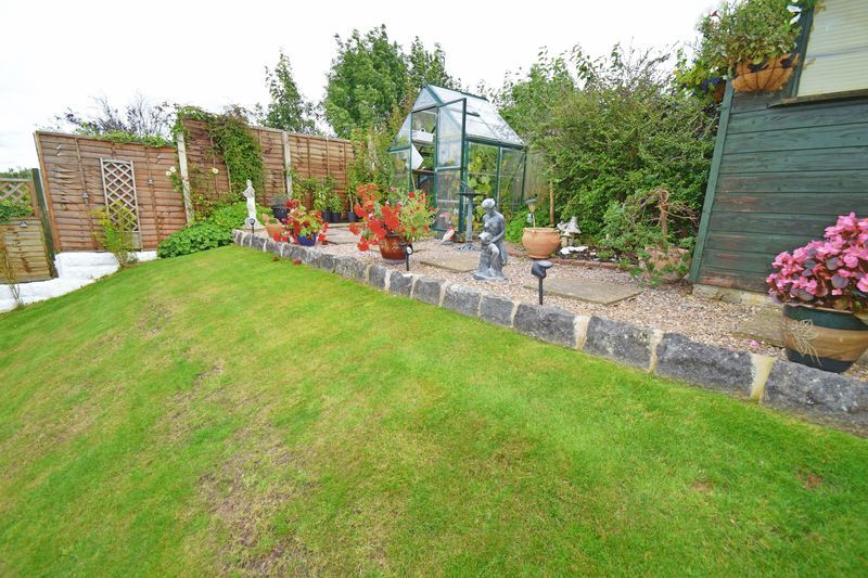 2 bed bungalow for sale in Gauden Road  - Property Image 10