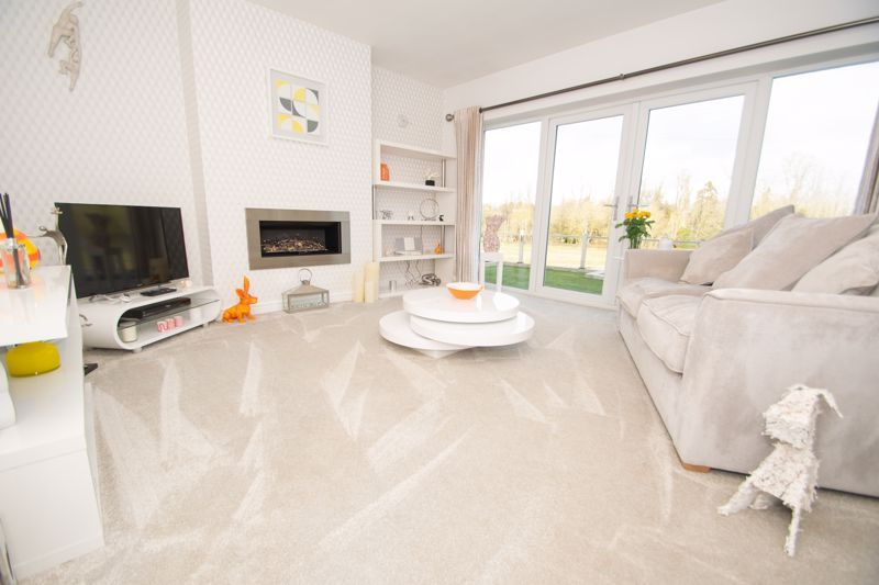3 bed bungalow for sale in Foley Gardens  - Property Image 14