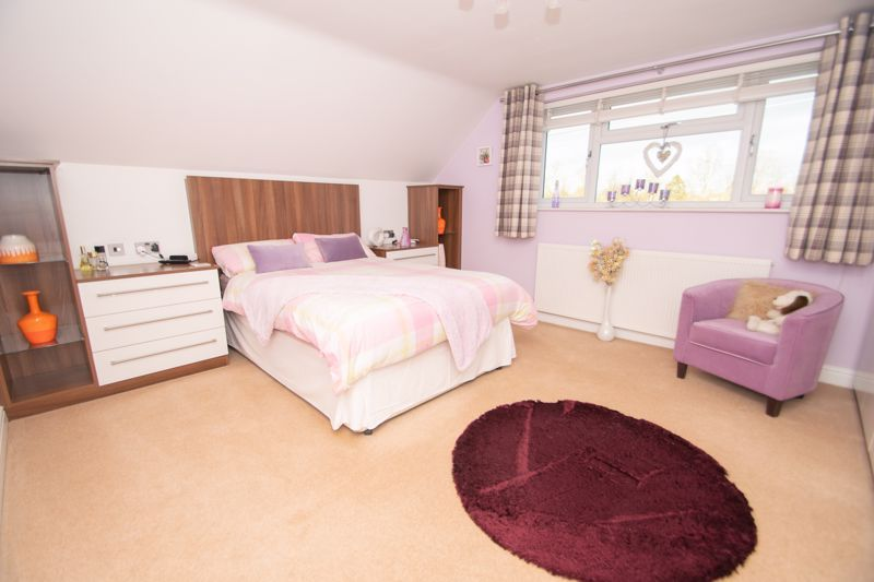 3 bed bungalow for sale in Foley Gardens  - Property Image 7