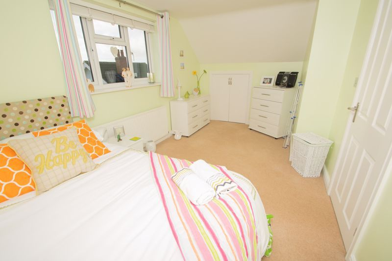 3 bed bungalow for sale in Foley Gardens  - Property Image 10