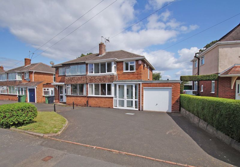 3 bed house for sale in Walker Avenue - Property Image 1