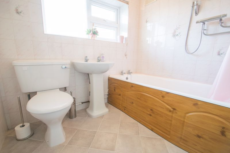 3 bed house for sale in Walker Avenue 13