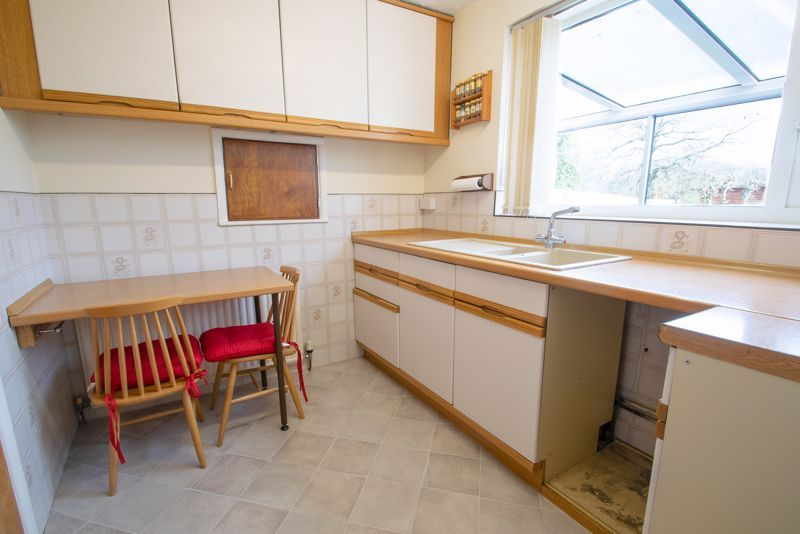 3 bed house for sale in Walker Avenue 6
