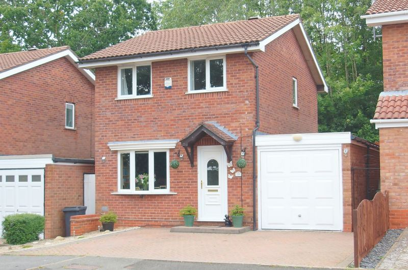 3 bed house for sale in Bascote Close 1