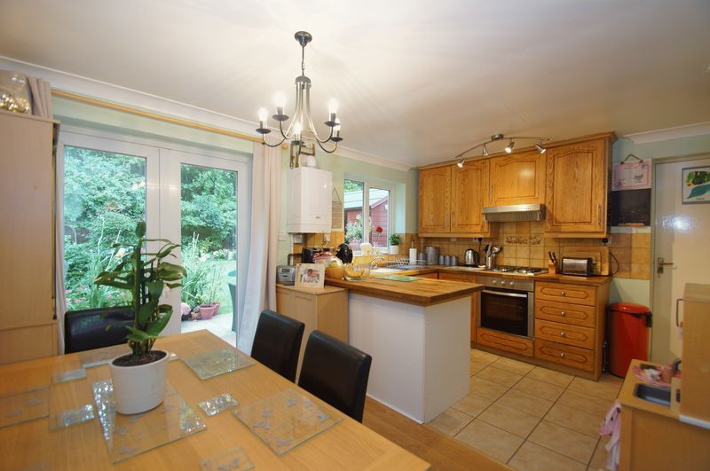 3 bed house for sale in Bascote Close 2