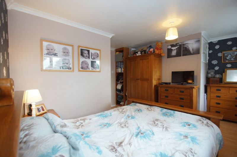 3 bed house for sale in Bascote Close 11