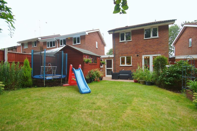 3 bed house for sale in Bascote Close 16