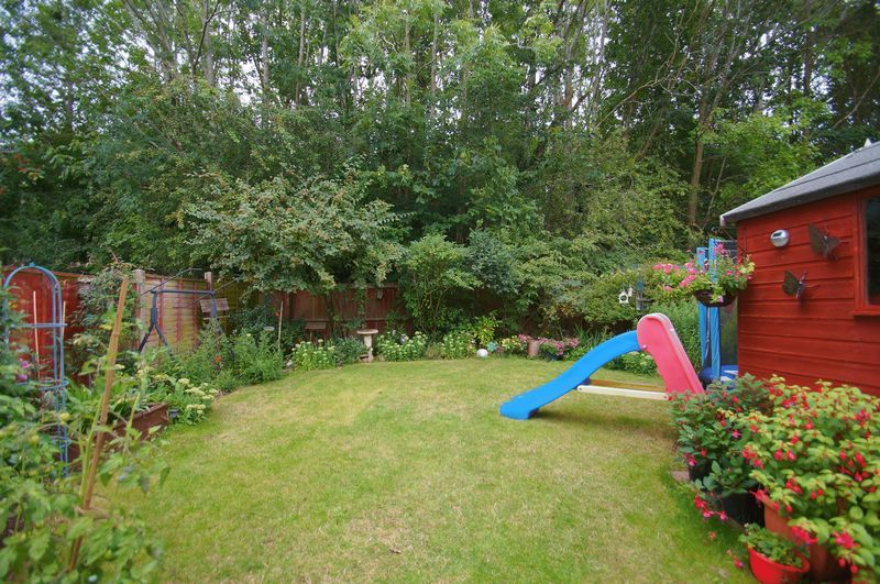 3 bed house for sale in Bascote Close 3