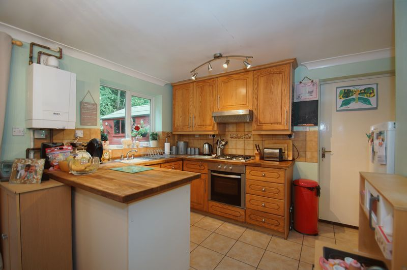 3 bed house for sale in Bascote Close 7