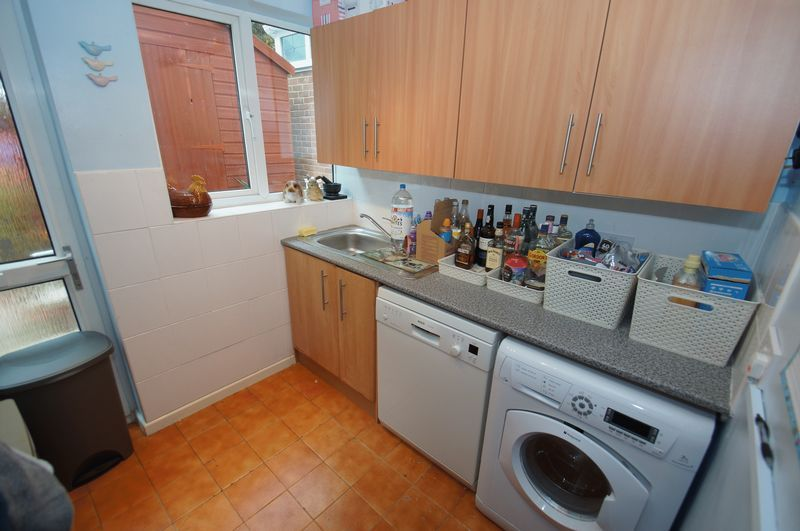 3 bed house for sale in Bascote Close 9