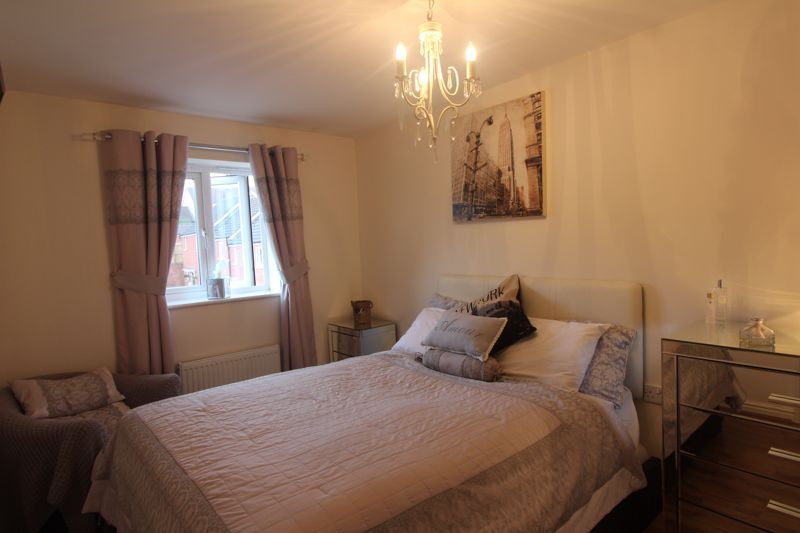4 bed house for sale in Dixon Close  - Property Image 19