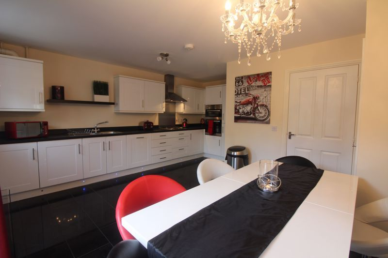 4 bed house for sale in Dixon Close 6