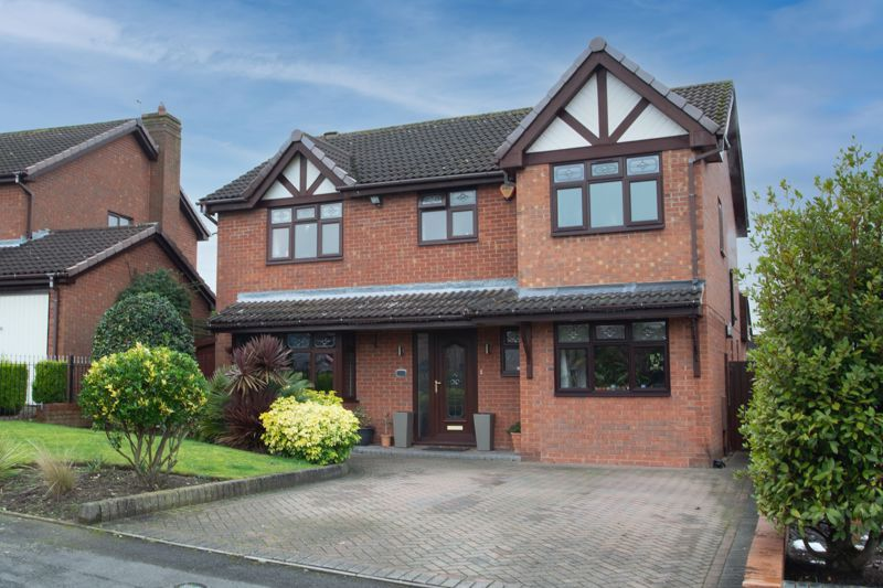 4 bed house for sale in Helmsley Close - Property Image 1