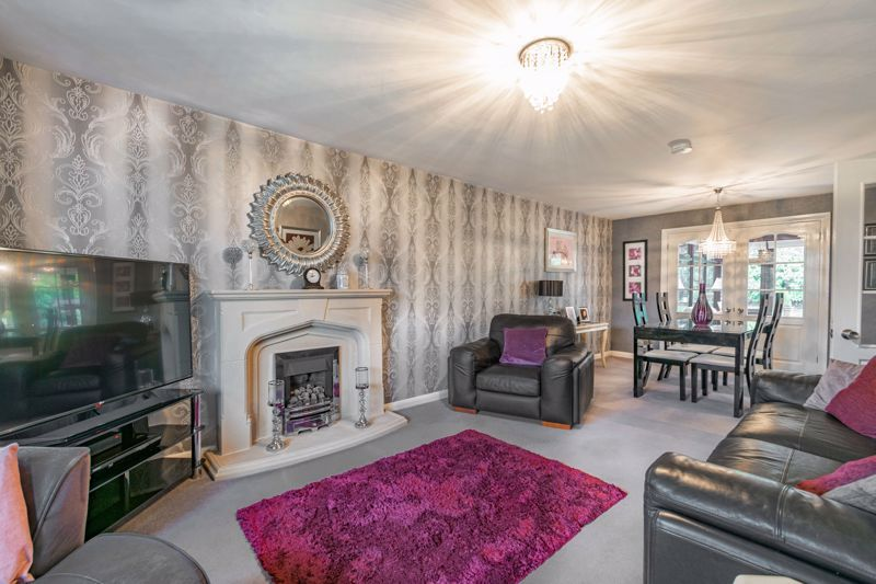4 bed house for sale in Helmsley Close  - Property Image 2