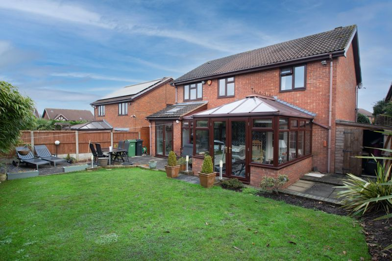 4 bed house for sale in Helmsley Close  - Property Image 13