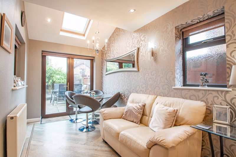 4 bed house for sale in Helmsley Close 14