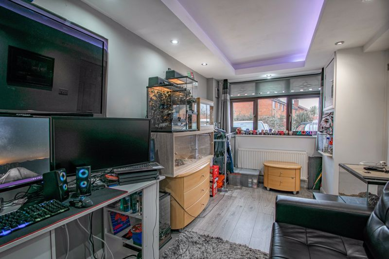 4 bed house for sale in Helmsley Close  - Property Image 17