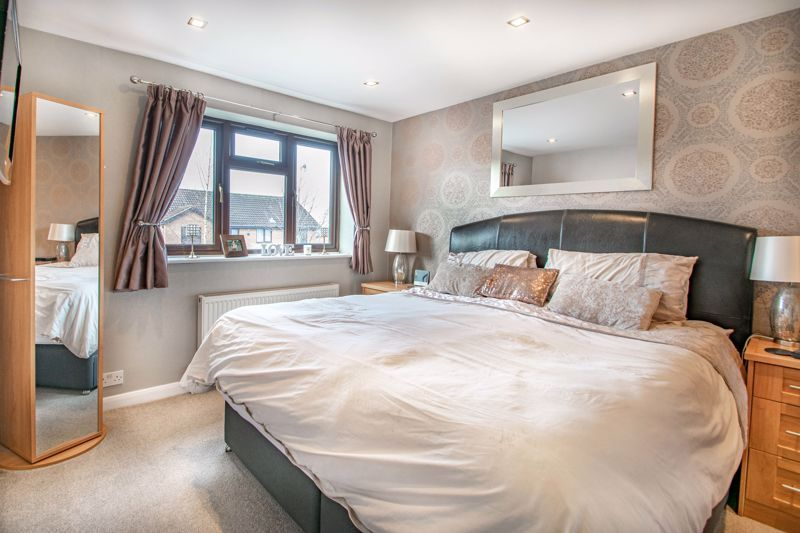4 bed house for sale in Helmsley Close 7