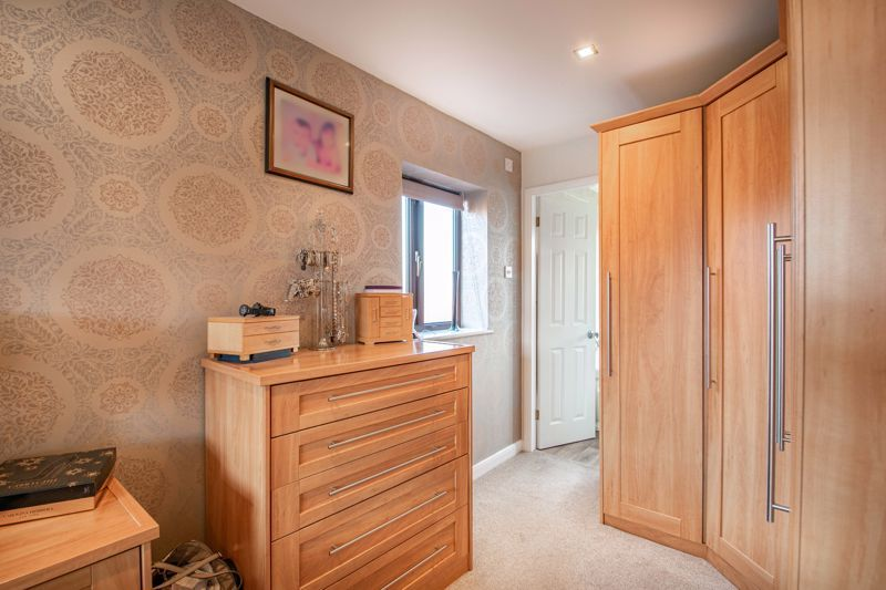 4 bed house for sale in Helmsley Close  - Property Image 8