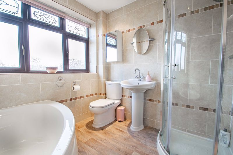 4 bed house for sale in Helmsley Close  - Property Image 9