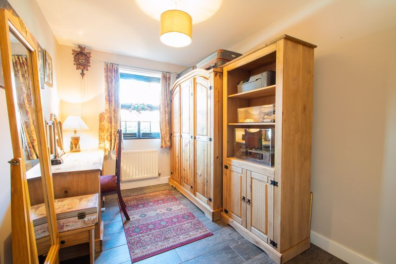 2 bed flat for sale in Camellia Gardens 13