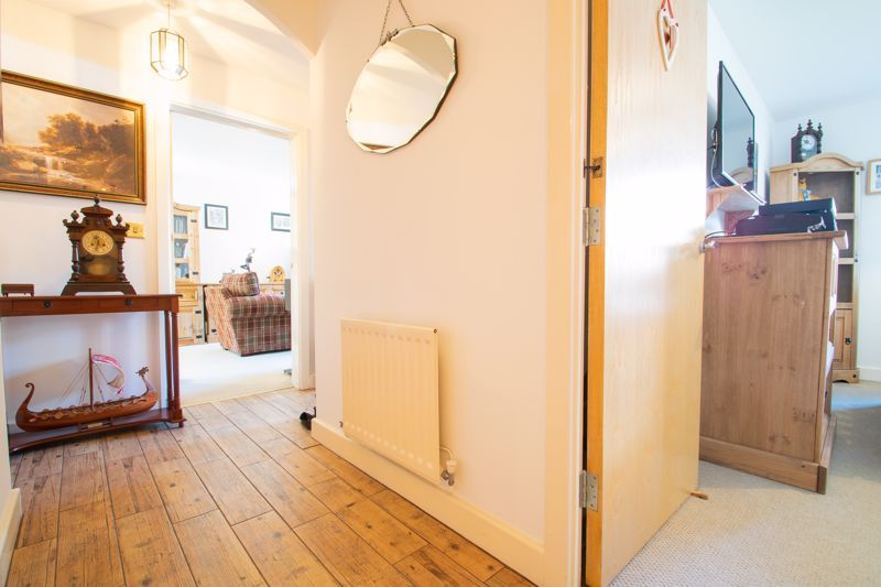 2 bed flat for sale in Camellia Gardens 3