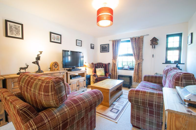2 bed flat for sale in Camellia Gardens 4