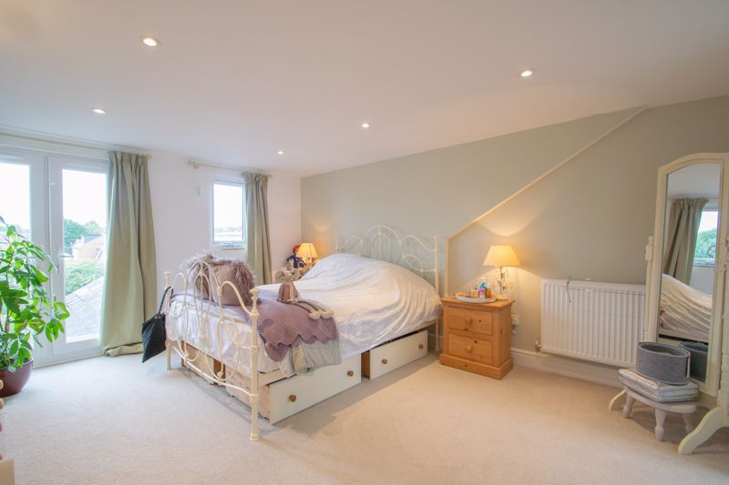 4 bed house for sale in Clark Street - Property Image 1
