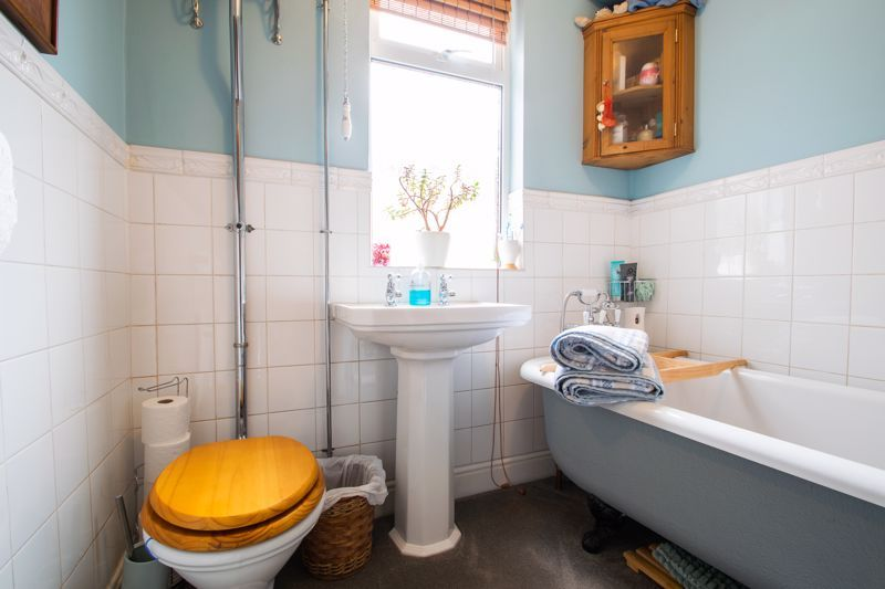 4 bed house for sale in Clark Street  - Property Image 11