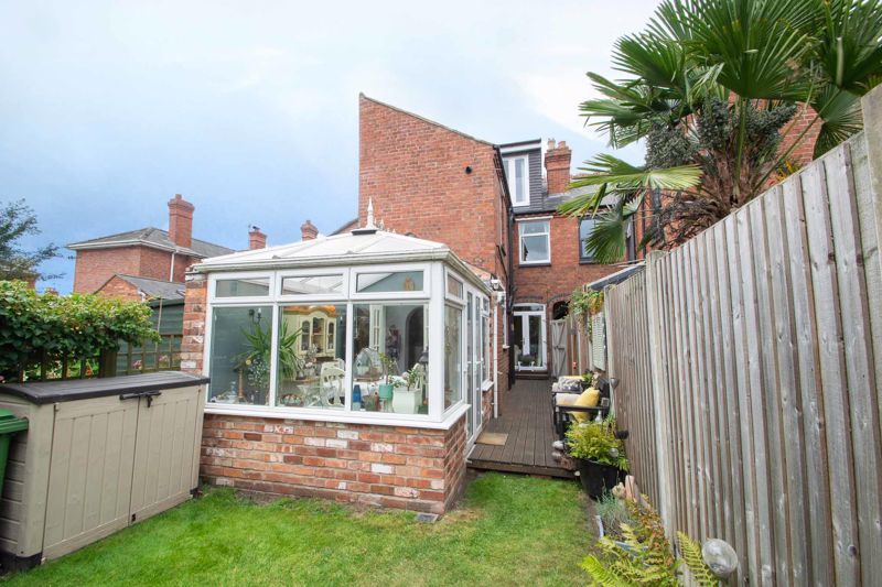 4 bed house for sale in Clark Street  - Property Image 13