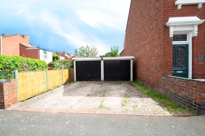 4 bed house for sale in Clark Street  - Property Image 14