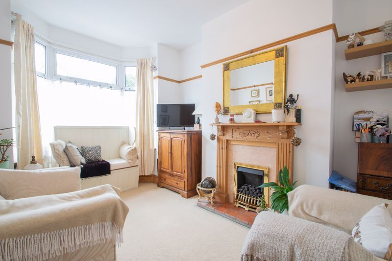 4 bed house for sale in Clark Street  - Property Image 3