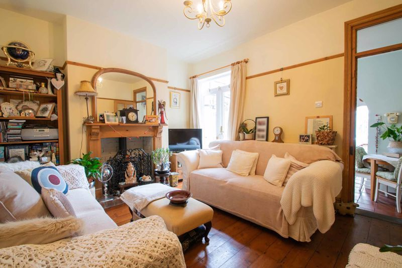 4 bed house for sale in Clark Street  - Property Image 4