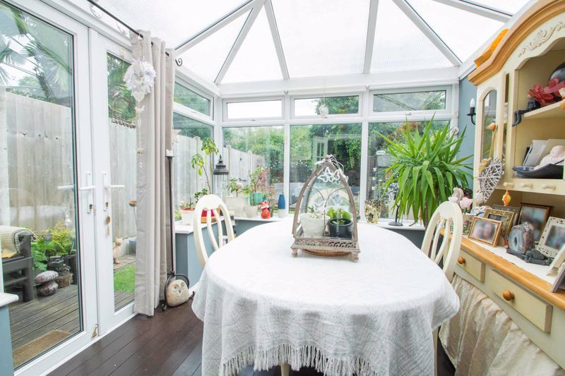 4 bed house for sale in Clark Street  - Property Image 6