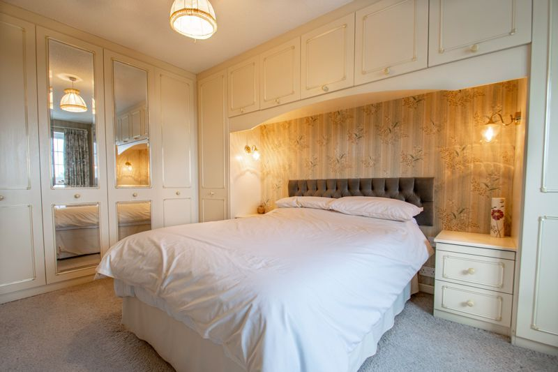 4 bed house for sale in The Ridgeway  - Property Image 11