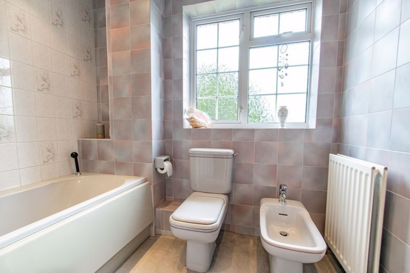4 bed house for sale in The Ridgeway 12