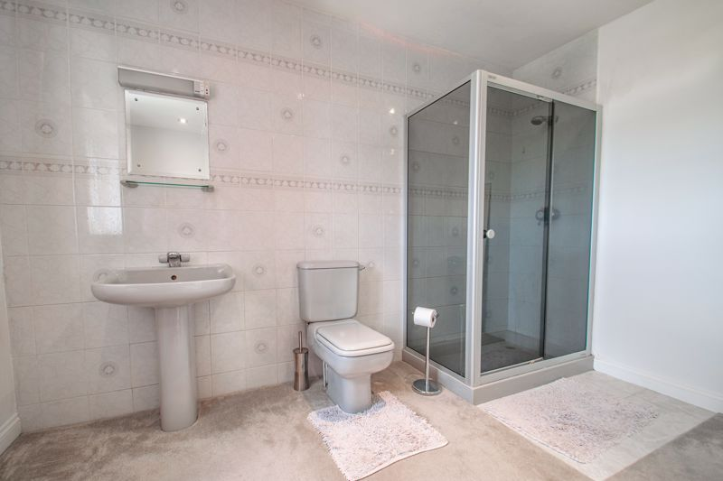4 bed house for sale in The Ridgeway  - Property Image 15