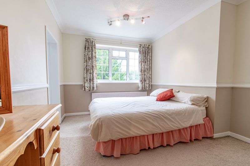 4 bed house for sale in The Ridgeway 16