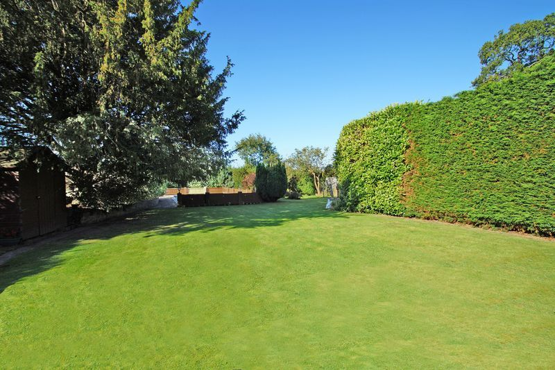4 bed house for sale in The Ridgeway 19